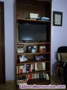Se vende estantería o librería de madera maciza
