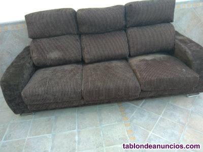 Sofa 3 plazas de pluma, habatibles las tres plazas.