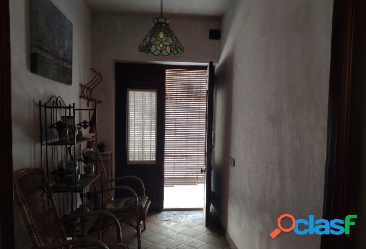 Acogedora casa de pueblo a la venta en Carrícola.