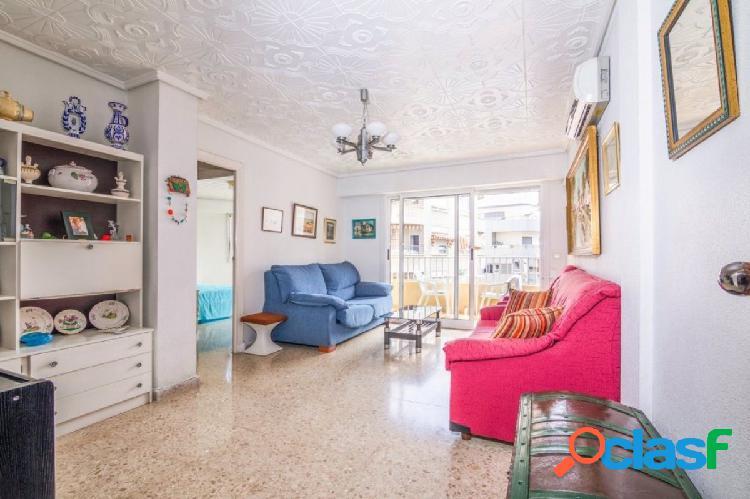 Amplio y luminoso apartamento en el centro de Torrevieja.