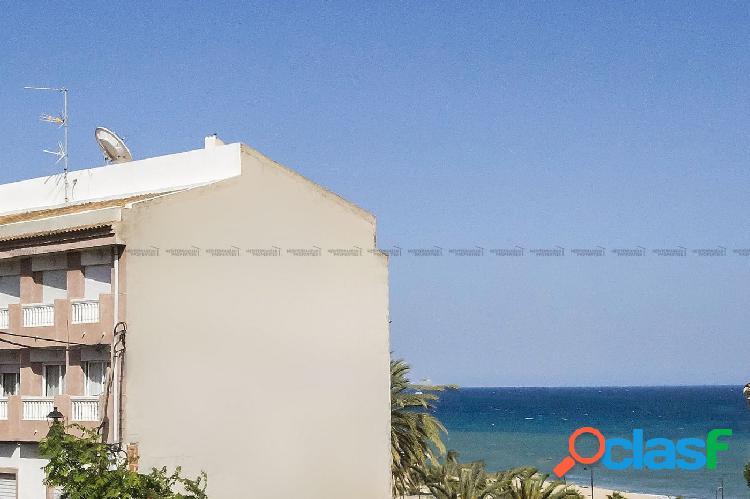 Amplio y luminoso piso en Villajoyosa, a 5 min de la playa