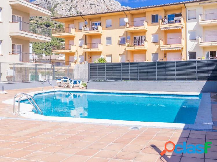 Apartament totalmente renovado con piscina