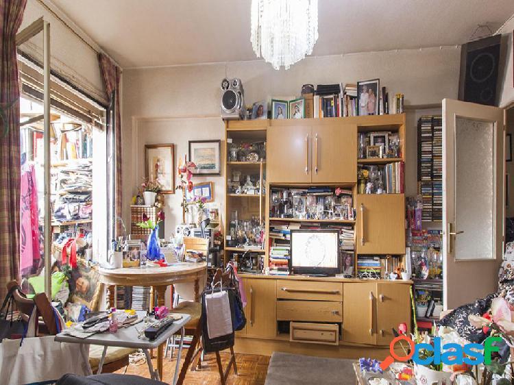 Apartamento en venta de 58 m2 en Calle de La Bañeza, 28029,
