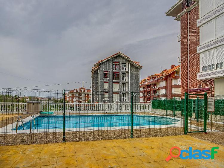 Apartamento en venta de 60m² en Calle Helgueras 2, 39180
