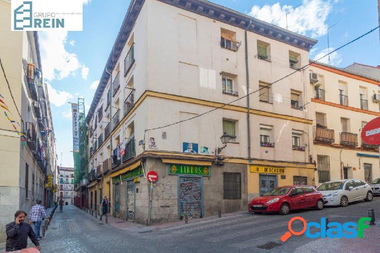 Apartamento situado en la Calle Carnero, entre el barrio de