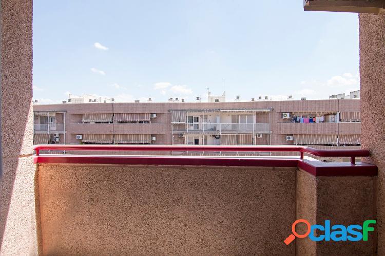Atencion Piso de 3 dormitorios en Zona joaquina Eguaras