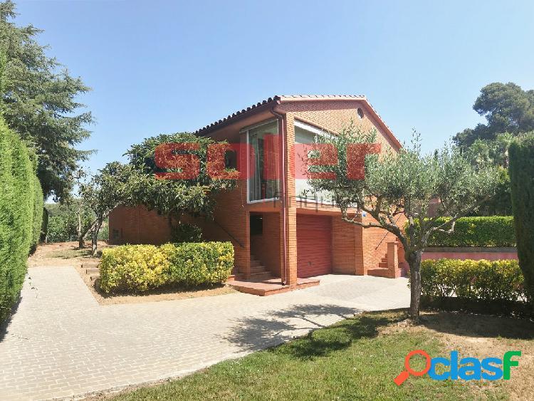 Bellaterra - Magnífica vivienda de 351m2 ubicada en la zona