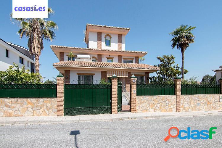 Bonita casa unifamiliar en la Urb. El Carmelo - Ogijares