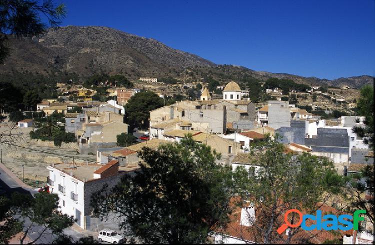 Bungalow en venta a estrenar en Aguas de Busot, Alicante