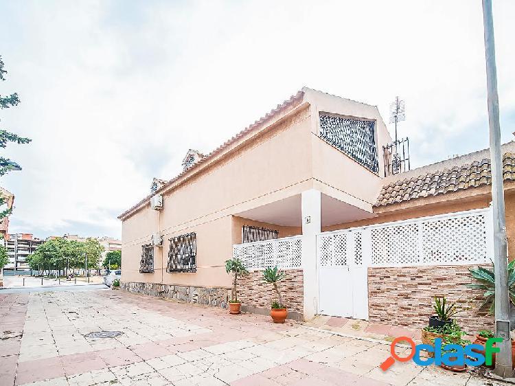 Casa chalet de 240 m² en Calle Carreta de Irún, 30360 La