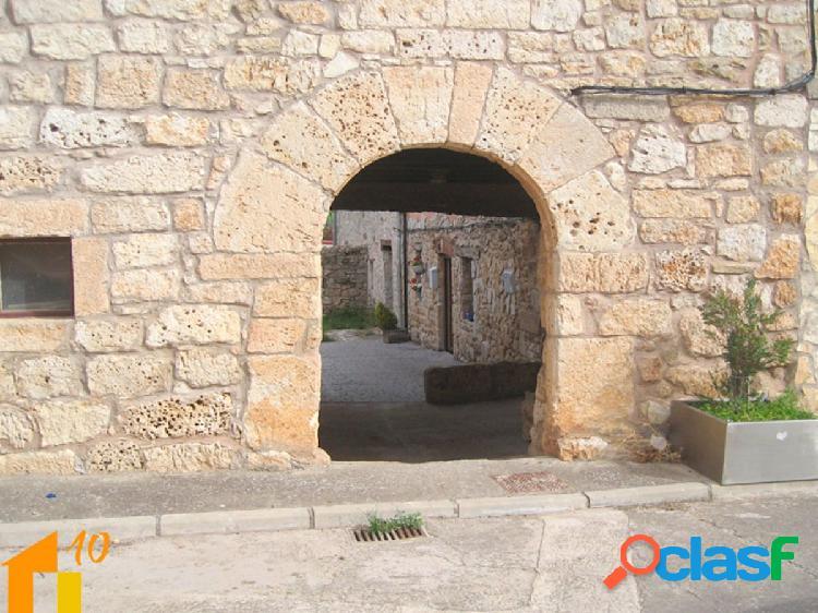 Casa de Piedra en la zona de Arcos de la Llana