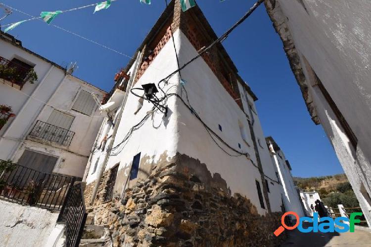 Casa de pueblo reformada en Picena