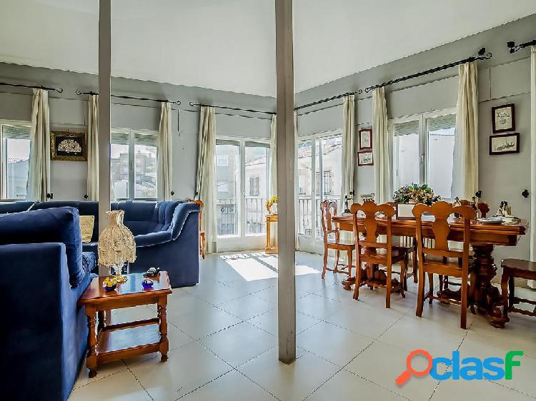 Casa en venta de 380 m² en Avenida de la Paz, 45860