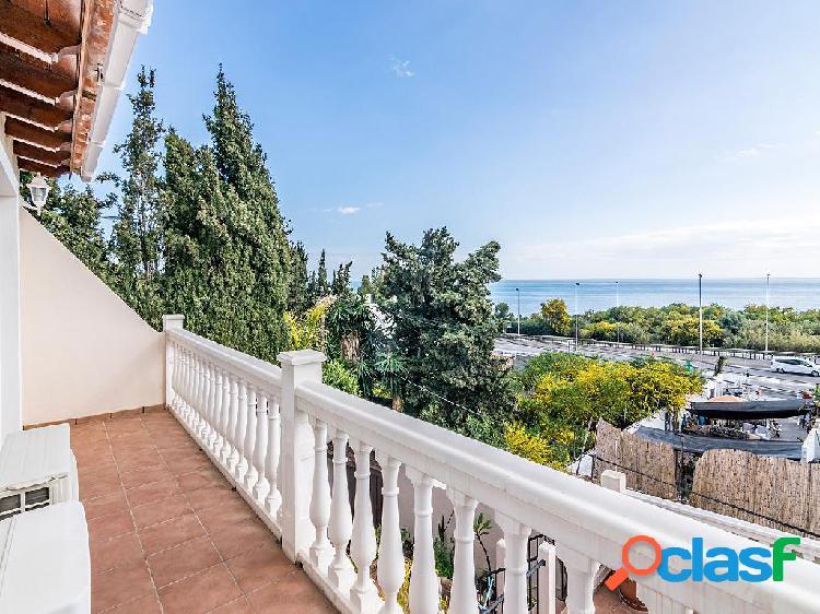 Chalet en venta de 220 m2 en Calle Mar Caribe, Marbella