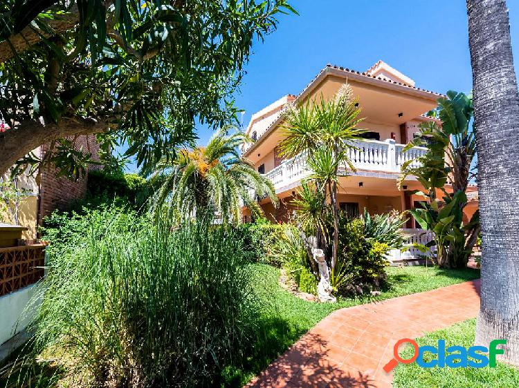 Chalet en venta de 300 m² Calle La Llosa, 12560 Benicasim