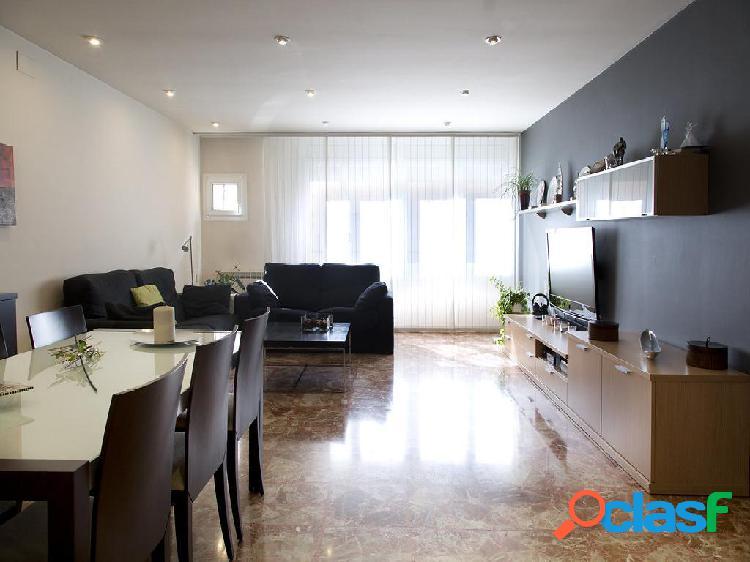 Chalet en venta de 310 m² en Calle Jaume I 23, 08271,