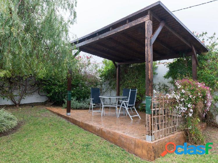 Chalet independiente en venta de 120m² en Camino del Olmo,