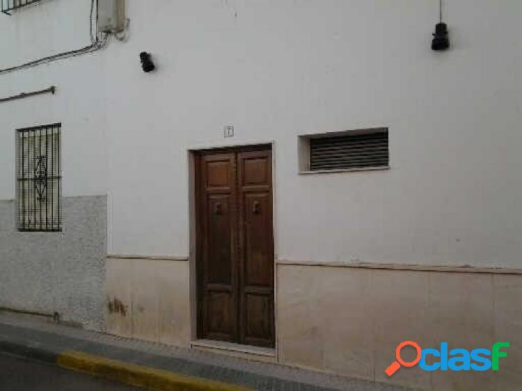 EDIFICIO DE 3 LOCALES, 1 VIVIENDA Y TRASTERO