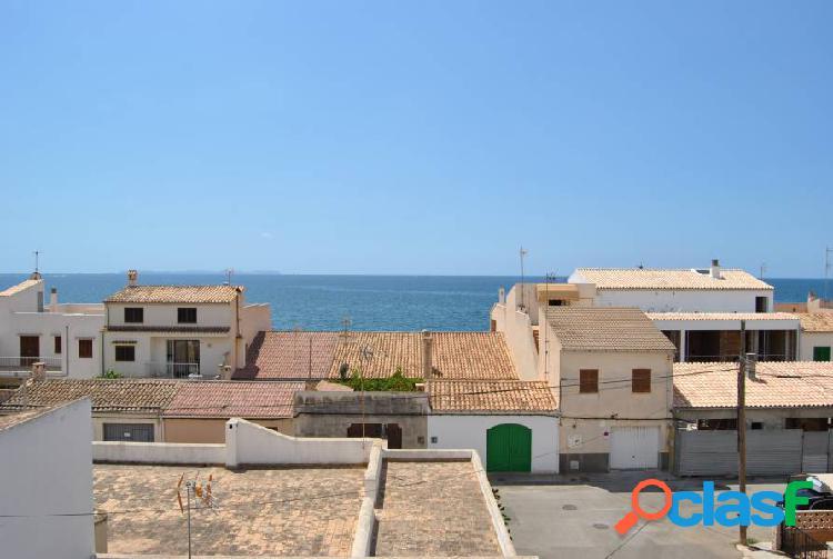 Enorme casa de pueblo en 2ª línea del mar en Sa Rápita