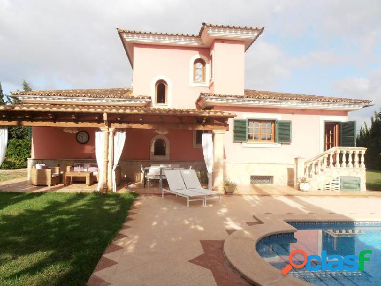 Fantástica casa rural con piscina y licencia turística
