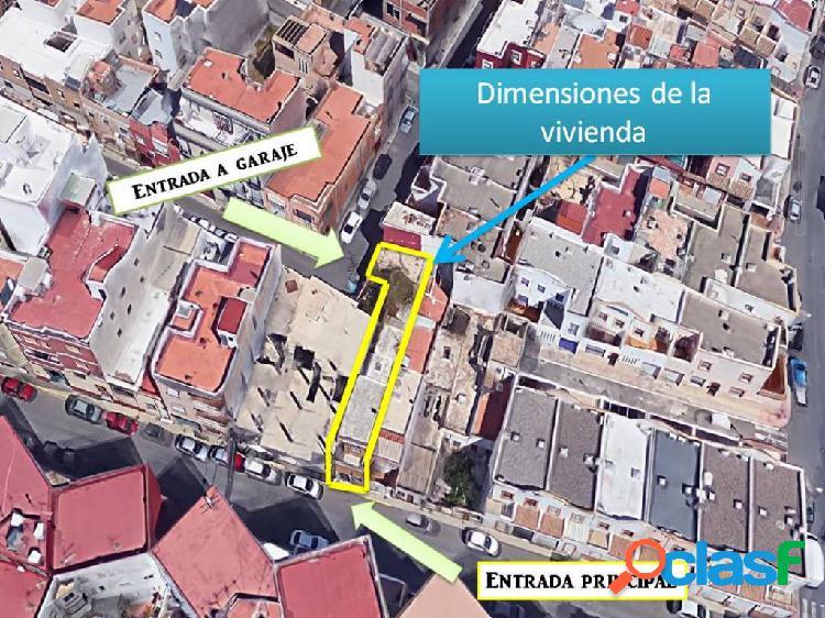 GRAN OPORTUNIDAD!! CASA UNIFAMILIAR DE 2 PLANTAS, CON GARAJE