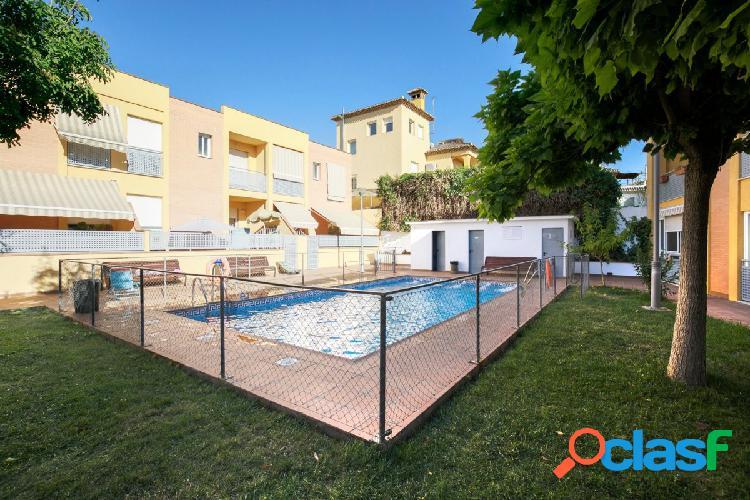 Gojar. Un lujo a un paso de Granada. Urb con piscina, garaje