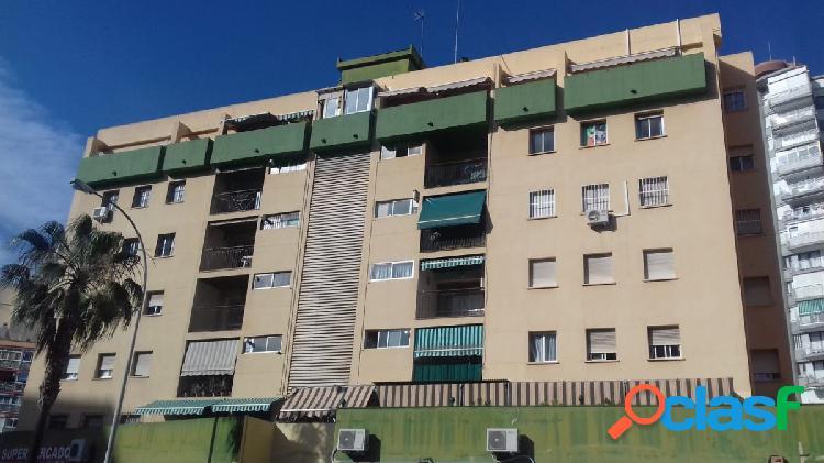 Gran piso de 4 dormitorios en Torremolinos centro
