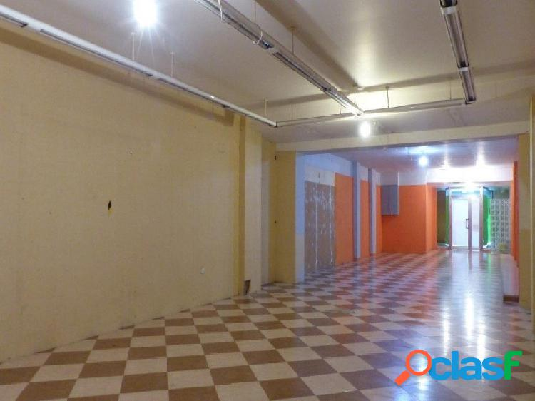 LOCAL 250 m2 en enclave comercial Sant Adria Jto. Plaza de