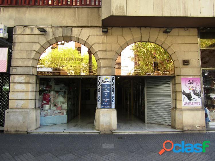 LOCAL/OFICINA DENTRO DE GALERÍA COMERCIAL EN RONDA DE LOS