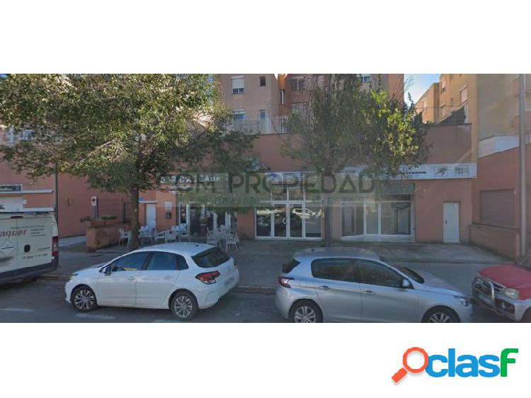 Local comercial con 89 m2 en SON CLADERA