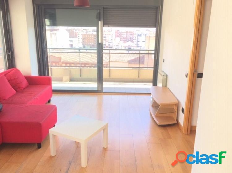 Magnifico piso semi-nuevo de 2 habitaciones con parquing