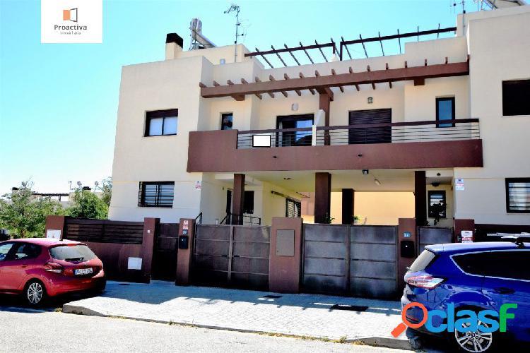Moderno chalet en venta en Churriana