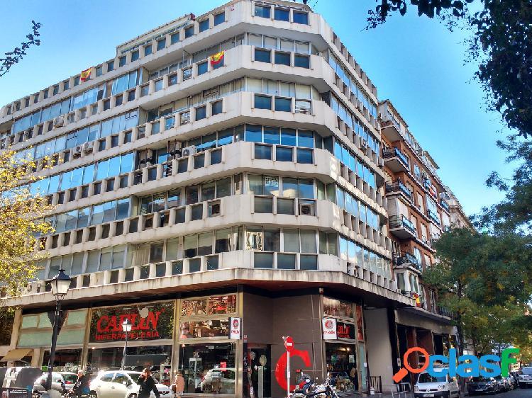 Oficina en alquiler y en venta en Madrid de 402 m2
