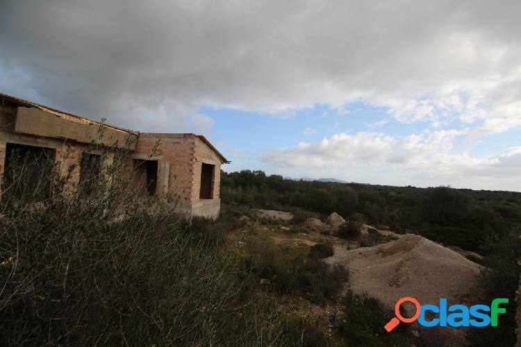 Parcela con casa en construcción en Área Ses Salines