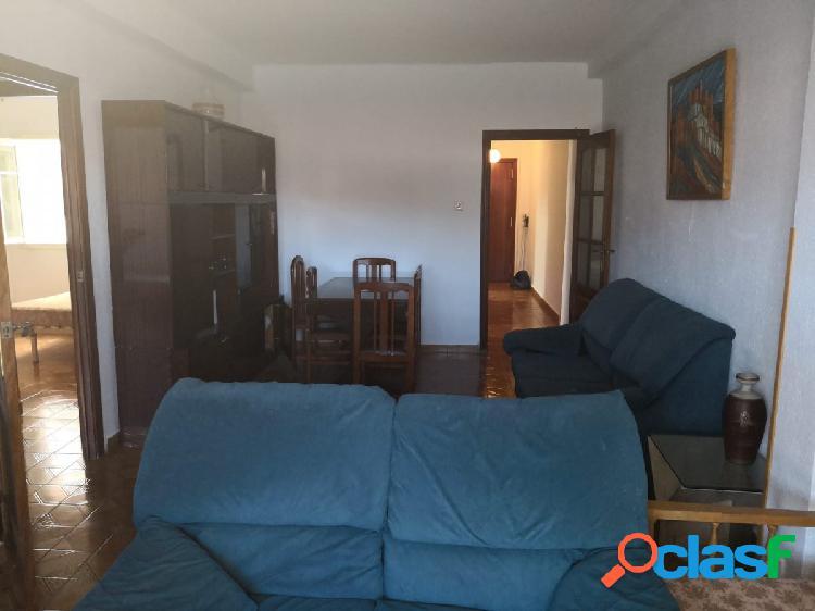 Piso 3 dormitorios en Vélez-Málaga zona Niza