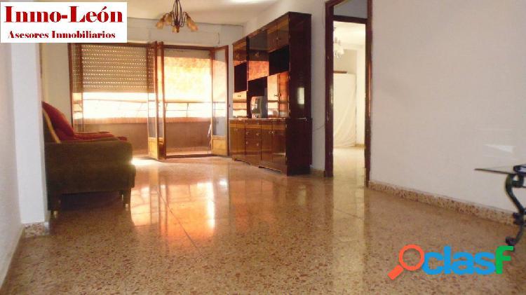 Piso con ascensor y plaza de garaje Zona Plaza Madrid