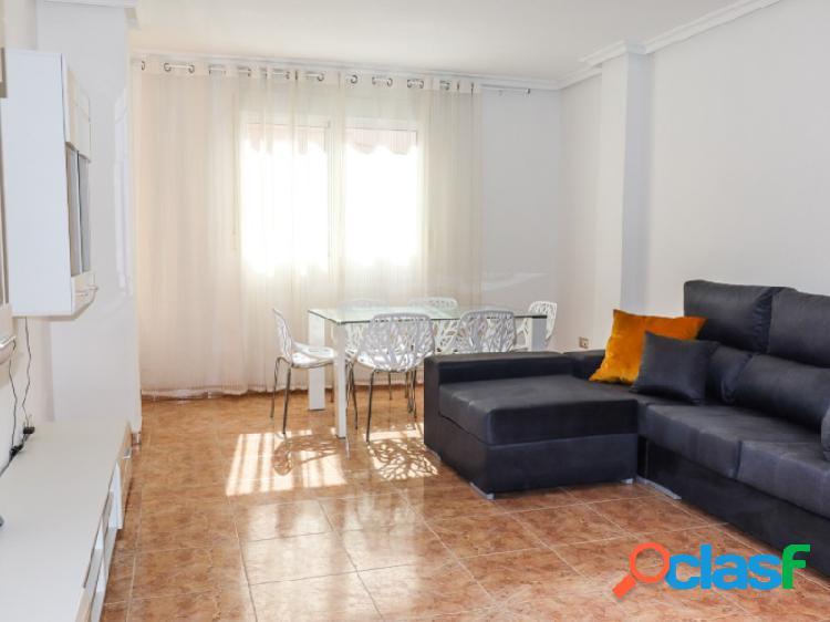 Piso de 3 dormitorios en la primera linea en Torrevieja
