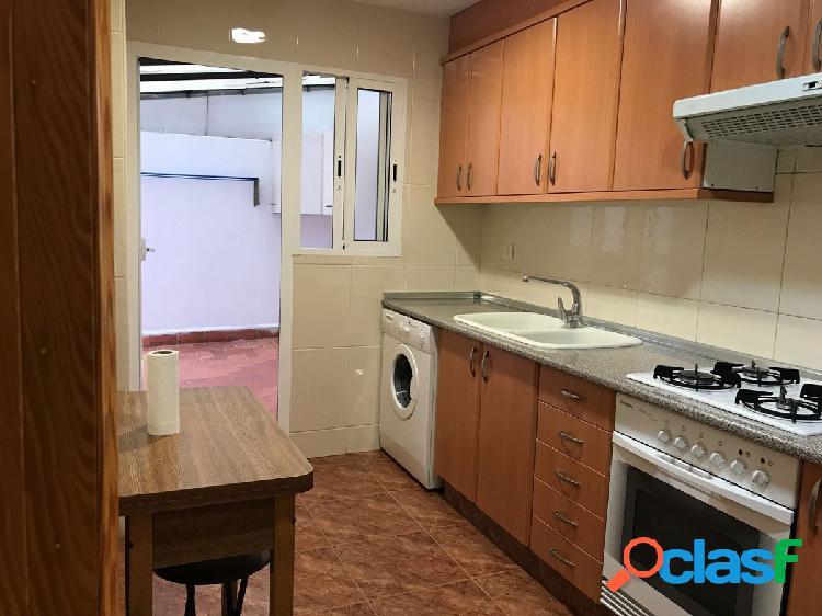 Piso de 4 habitaciones en alquiler en la zona de Malilla