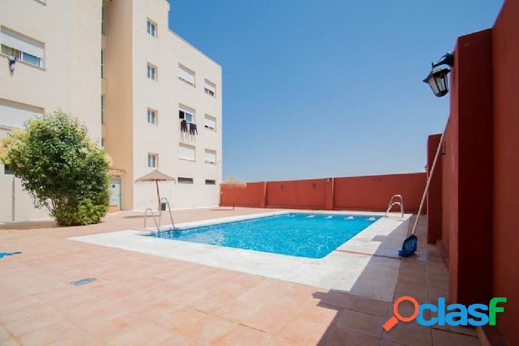 Piso en urbanización con piscina las Gabias