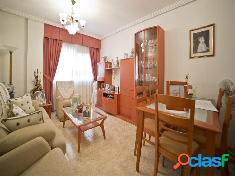 Piso en venta de 102m²en Calle Valle de Leiva 20, 30006