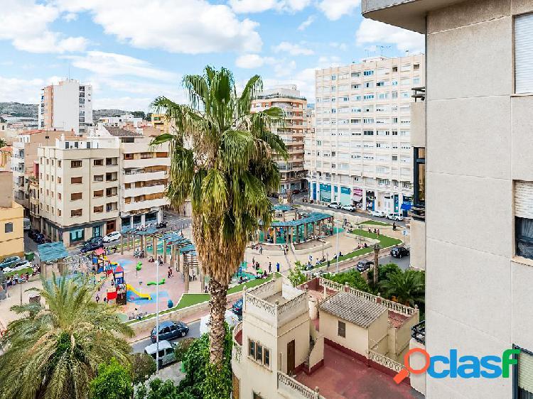 Piso en venta de 115 m² en Calle Padre Manjón, 03600 Elda