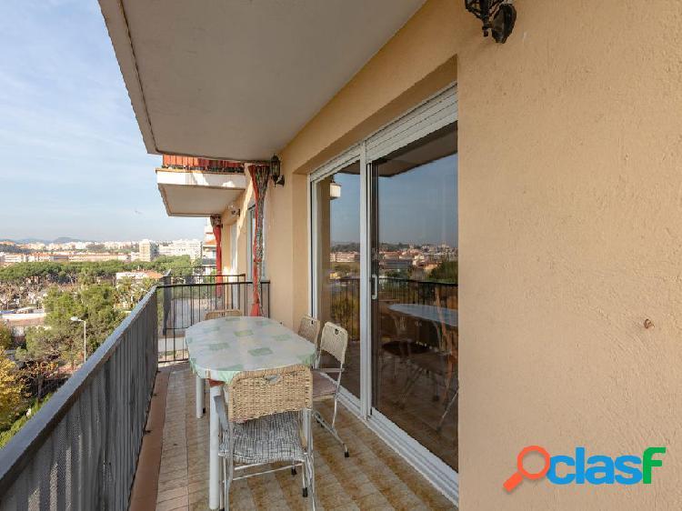Piso en venta de 143 m2 en Avenida Vila de Madrid, Blanes