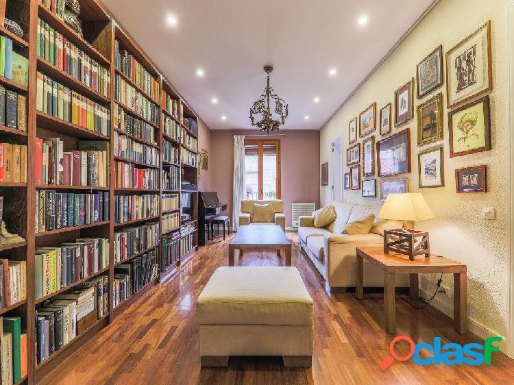 Piso en venta de 144 m² en Calle Sant Pere Mes Baix, 08003