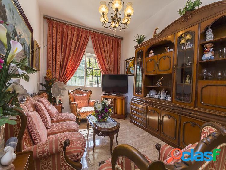 Piso en venta de 84 m2 en Calle Conde de Luna 11, bajo, A,