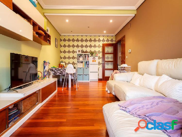 Piso en venta de 90 m², con garaje y trastero en el Barrio
