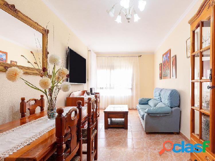 Piso en venta de 91 m2 en Calle Del Angel, La Línea de la