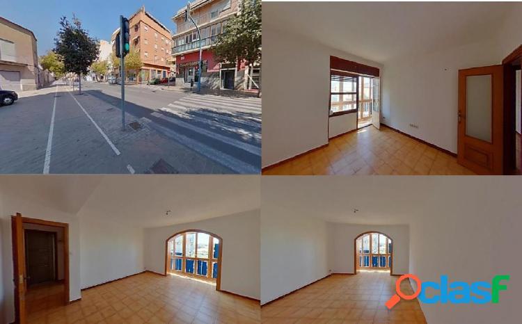 Piso en venta en Av AVENIDA TEULADA, Alicante/Alacant