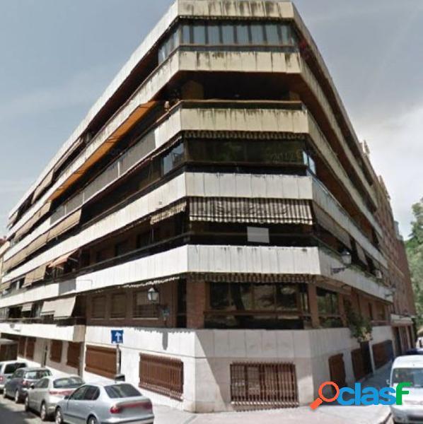 Piso en venta en barrio de Arguelles, en Madrid.