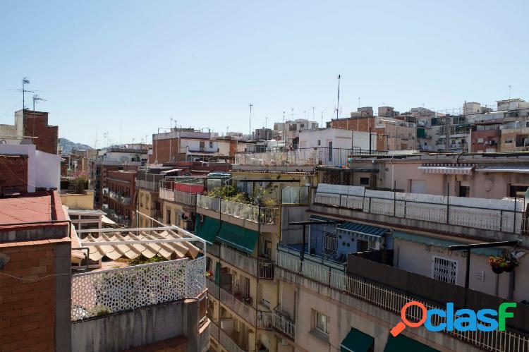 Piso ático en venta de 95m2 con 2 terrazas y ascensor en La