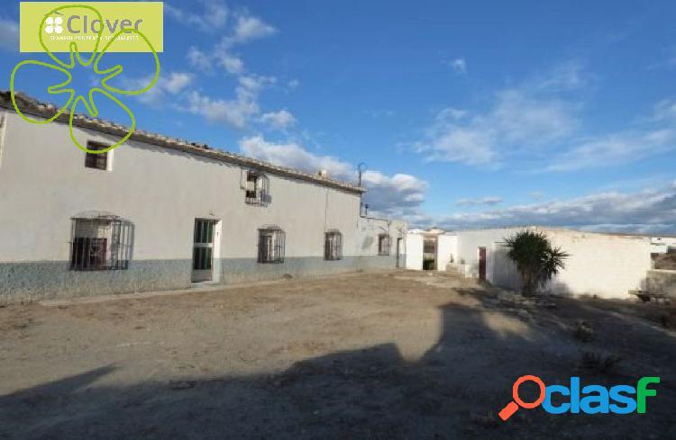 Ref. 0193A/18 - Casa de campo en venta en Huércal-Overa